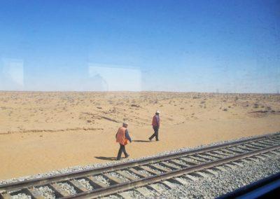 Usbekistan-Zugfahrt-Wueste